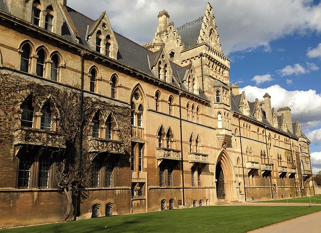 Oxford Offers to State School Students Rises Again