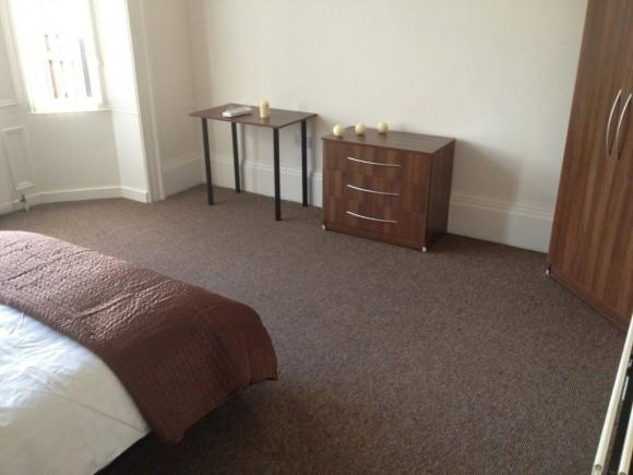 9 bed denethorpe stockton road sunderland pads for. Black Bedroom Furniture Sets. Home Design Ideas