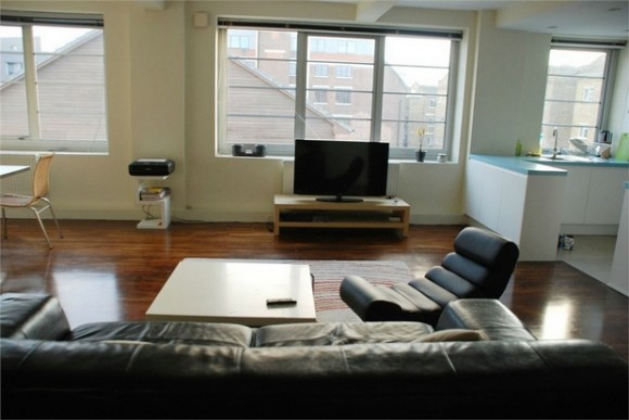 2 bed sunlight square birkbeck street bethnal green for Furniture xpress bethnal green