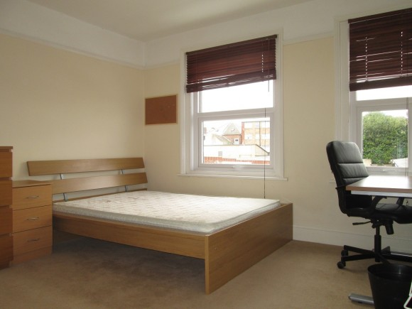 4 bed exmouth road southsea po5 pads for students for Beds exmouth