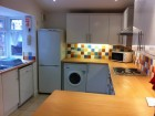 Modern 6 double bedroom house - excellent location!