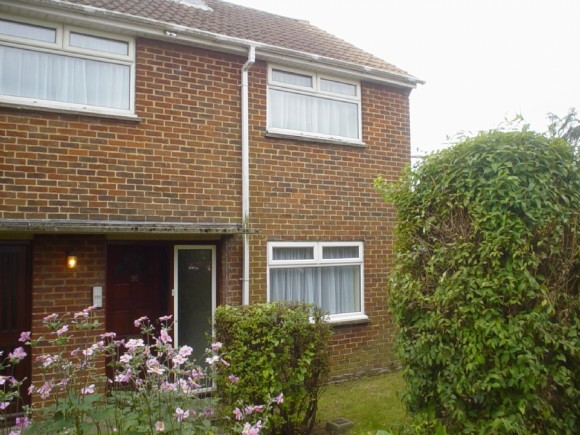 4 Bed - 4 Bed Near Ukc - �335pp & Reduced Admin Fee! Free Wi Fi