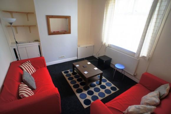 Bed House Splott Cardiff Rent