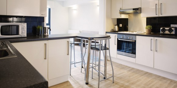 Six Bed Flat Kitchen