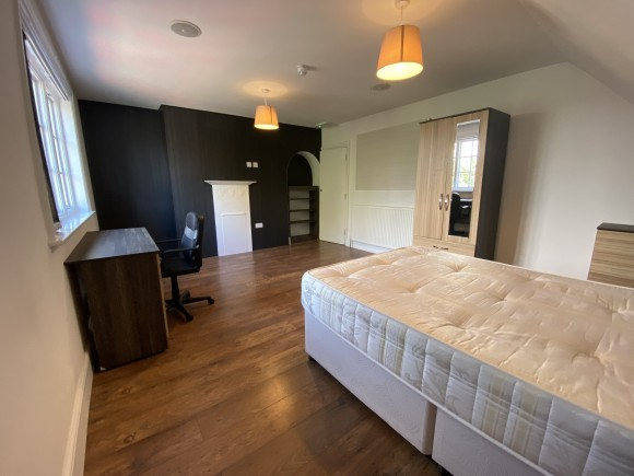 4 Bed - Flat 3 , 84 Westcotes Drive, Leicester, - Pads for ...