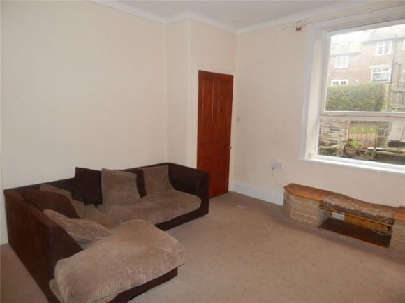 1 bed cross lane newsome huddersfield west yorkshire for Beds huddersfield