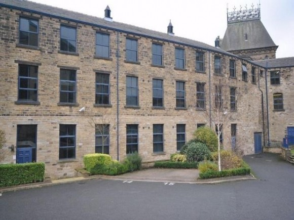 1 bed plover road lindley huddersfield pads for students for Beds huddersfield