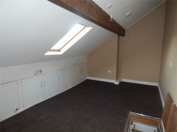 2 bed clement street birkby huddersfield west for Beds huddersfield