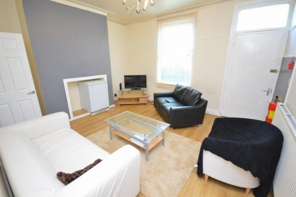 5 Bed - Ash Road, Leeds, Ls6