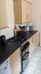 4 Bedroom house in handy location. Easy walk to University and Asda.