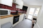 1 Bed - Room 5 Dysart Close - Fully Furnished Single  En-suite Student Room, Wifi & Bills Included - No Fees
