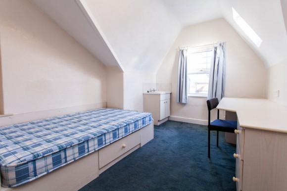 Bed Property To Rent Headingley