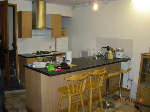 3 Bed - Royal Park View, Hyde Park, Leeds