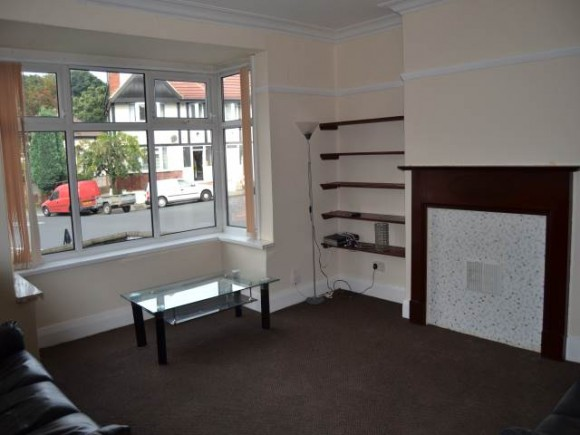 5 Bed - Estcourt Avenue, Headingley, Leeds