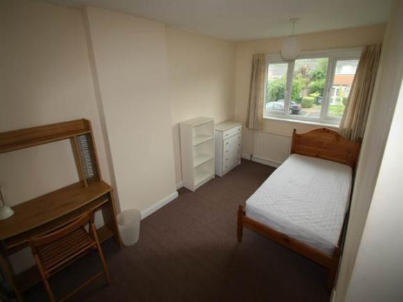4 Bed Bramshaw Road Canterbury Kent Pads For Students