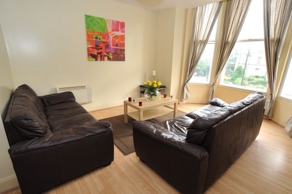 Modern 2 Bedroom Apartment Near University All Utilities Included Pads For Students