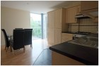 Modern 5 Bed Apartment with Free Internet