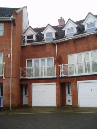 5 Bed Old Laundry Court Off Waterworks Road Pads