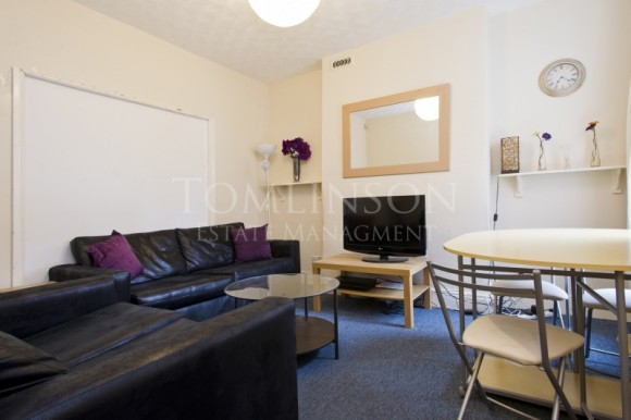 how to live in a small bedroom 5 bed balfour road lenton nottingham pads for students 21094